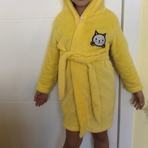Super soft yellow cat bath robe